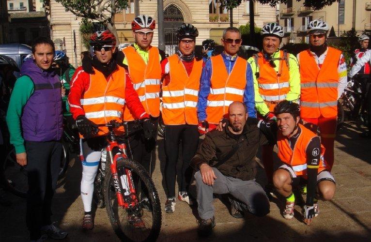 https://www.ragusanews.com/resizer/resize.php?url=https://www.ragusanews.com//immagini_articoli/25-11-2013/1396118619-trecento-partecipanti-al-raduno-della-carlo-papa.jpg&size=766x500c0