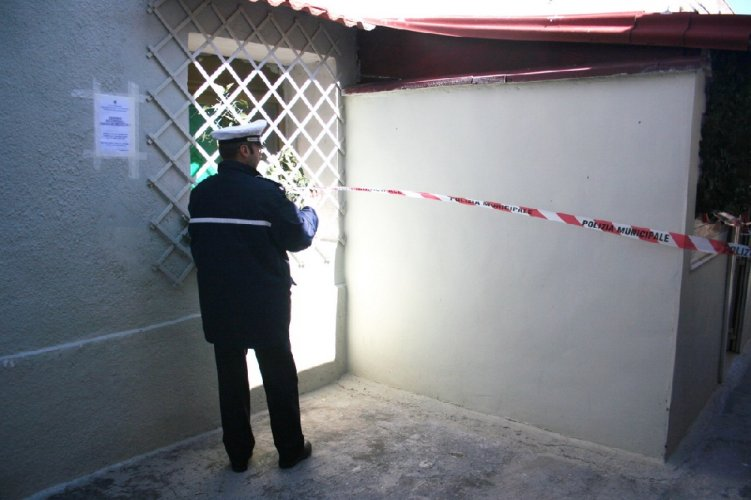 https://www.ragusanews.com/resizer/resize.php?url=https://www.ragusanews.com//immagini_articoli/26-01-2014/1396118117-a-vittora-scoperta-una-casa-abusiva.jpg&size=751x500c0