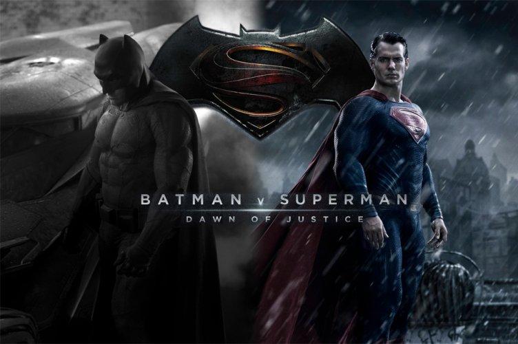 https://www.ragusanews.com/resizer/resize.php?url=https://www.ragusanews.com//immagini_articoli/26-03-2016/1458997136-0-se-la-mamma-di-superman-riconosce-batman-dal-mantello.jpg&size=752x500c0