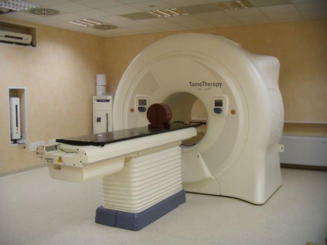 https://www.ragusanews.com/resizer/resize.php?url=https://www.ragusanews.com//immagini_articoli/26-08-2009/1396862549-tra-dieci-mesi-il-bunker-della-radioterapia.jpg&size=667x500c0