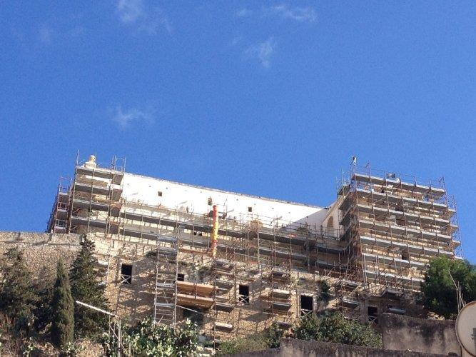 https://www.ragusanews.com/resizer/resize.php?url=https://www.ragusanews.com//immagini_articoli/26-10-2013/1396118793-la-chiesa-di-san-matteo-bianca.jpg&size=667x500c0