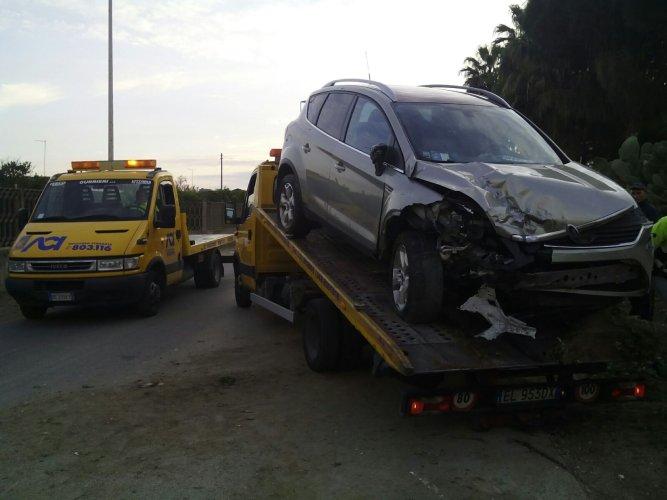 https://www.ragusanews.com/resizer/resize.php?url=https://www.ragusanews.com//immagini_articoli/26-12-2015/1451148473-1-grave-incidente-sulla-pedalino-vittoria-ferito-73enne.jpg&size=667x500c0