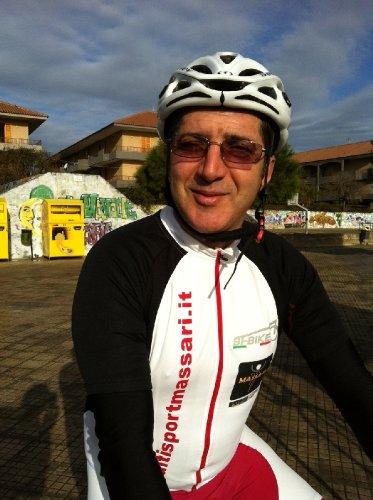 https://www.ragusanews.com/resizer/resize.php?url=https://www.ragusanews.com//immagini_articoli/27-02-2012/1396122504-nella-mountain-bike-exploit-di-gianni-gulino-tra-i-gentleman-a-floridia.jpg&size=373x500c0