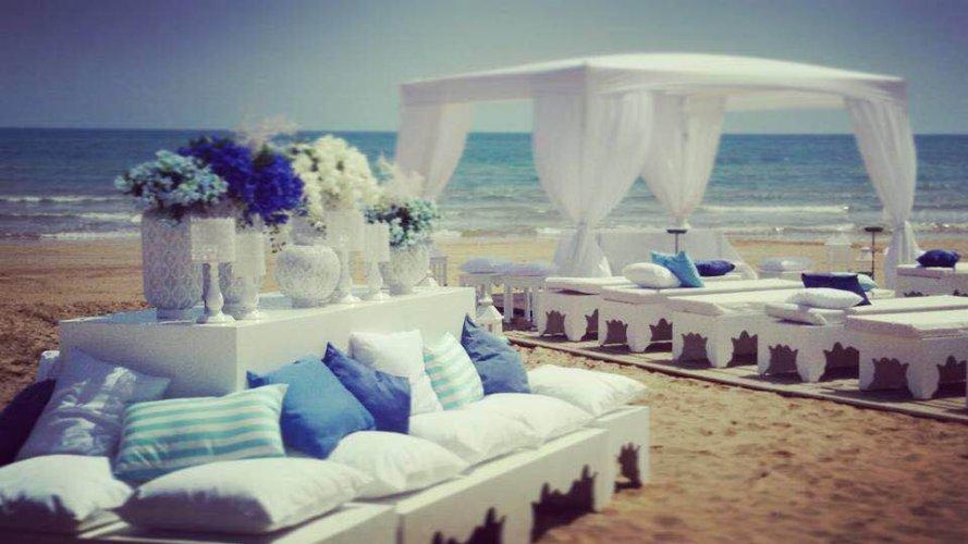 https://www.ragusanews.com/resizer/resize.php?url=https://www.ragusanews.com//immagini_articoli/27-05-2016/1464368079-2-matrimonio-in-spiaggia-a-pozzallo.jpg&size=889x500c0