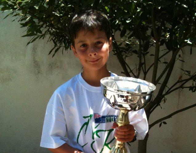 https://www.ragusanews.com/resizer/resize.php?url=https://www.ragusanews.com//immagini_articoli/27-07-2012/1396121722-ignazio-ottaviano-il-vento-il-mare-il-talento.jpg&size=637x500c0