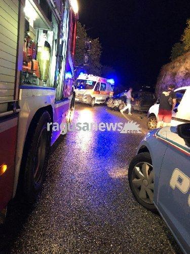 https://www.ragusanews.com/resizer/resize.php?url=https://www.ragusanews.com//immagini_articoli/27-09-2018/1538081306-1-modica-incidente-morto-ferito.jpg&size=375x500c0