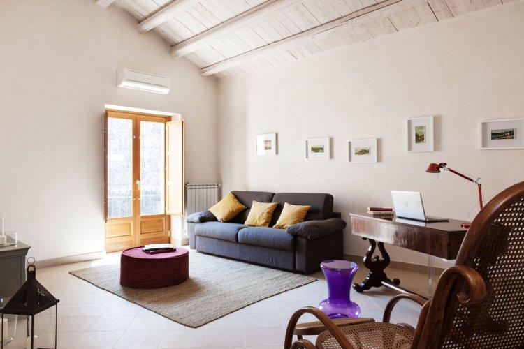 https://www.ragusanews.com/resizer/resize.php?url=https://www.ragusanews.com//immagini_articoli/28-01-2018/1517173323-4-modica-vendesi-casa-vista-mozzafiato-giorgio.jpg&size=750x500c0