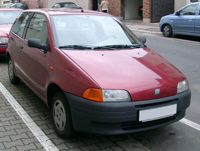 L'auto che viene rubata di più? La Fiat Punto Ragusa on fiat cars, fiat multipla, fiat linea, fiat seicento, fiat bravo, fiat x1/9, fiat ritmo, fiat marea, fiat panda, fiat doblo, fiat coupe, fiat 500 turbo, fiat cinquecento, fiat spider, fiat stilo, fiat 500l, fiat barchetta, fiat 500 abarth,