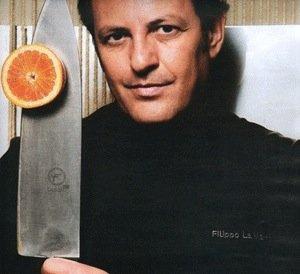 https://www.ragusanews.com/resizer/resize.php?url=https://www.ragusanews.com//immagini_articoli/28-07-2014/1406544009-0-filippo-la-mantia-chef-senza-aglio-a-scicli.jpg&size=547x500c0