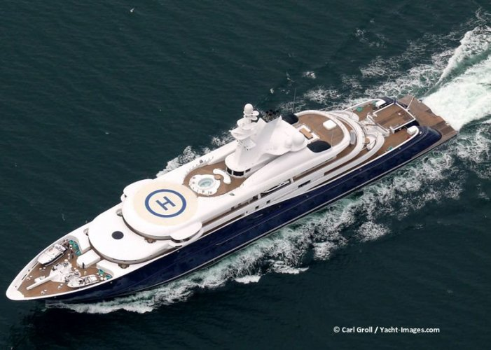 https://www.ragusanews.com/resizer/resize.php?url=https://www.ragusanews.com//immagini_articoli/28-08-2014/1409218085-1-gli-yacht-della-famiglia-reale-del-qatar-in-rotta-verso-marina-di-ragusa.jpg&size=701x500c0