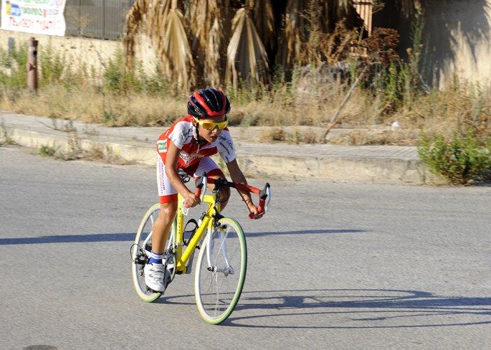 https://www.ragusanews.com/resizer/resize.php?url=https://www.ragusanews.com//immagini_articoli/28-08-2016/1472416771-1-il-ciclismo-che-gioiosamente-canta-e-quello-che-non-conta.jpg&size=702x500c0