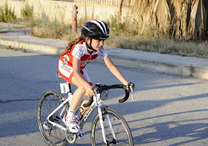 https://www.ragusanews.com/resizer/resize.php?url=https://www.ragusanews.com//immagini_articoli/28-08-2016/1472416794-1-il-ciclismo-che-gioiosamente-canta-e-quello-che-non-conta.jpg&size=712x500c0