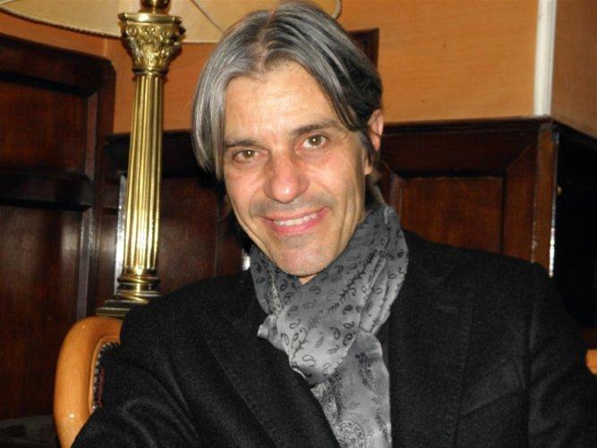https://www.ragusanews.com/resizer/resize.php?url=https://www.ragusanews.com//immagini_articoli/28-10-2013/1396118788-luca-madonia-a-ragusa-io-carmen-consoli-e-battiato.jpg&size=667x500c0