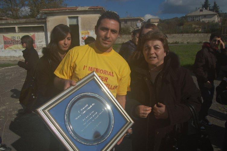 https://www.ragusanews.com/resizer/resize.php?url=https://www.ragusanews.com//immagini_articoli/28-11-2011/1396123042-monterosso-memorial-santo-carnibella.jpg&size=752x500c0