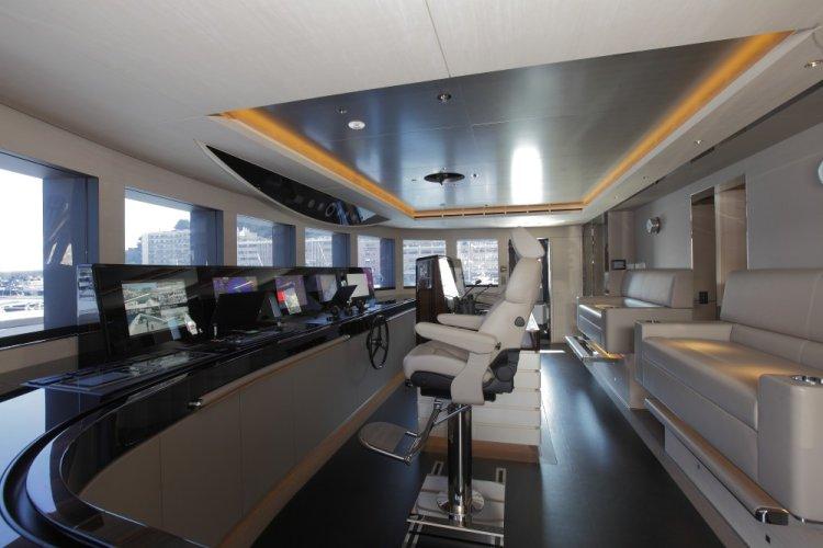 https://www.ragusanews.com/resizer/resize.php?url=https://www.ragusanews.com//immagini_articoli/29-06-2017/1498687284-1-grace-yacht-premiati-mondo-marina-ragusa.jpg&size=750x500c0