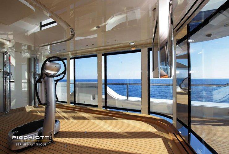 https://www.ragusanews.com/resizer/resize.php?url=https://www.ragusanews.com//immagini_articoli/29-06-2017/1498687324-1-grace-yacht-premiati-mondo-marina-ragusa.jpg&size=741x500c0