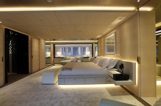 https://www.ragusanews.com/resizer/resize.php?url=https://www.ragusanews.com//immagini_articoli/29-06-2017/1498687432-1-grace-yacht-premiati-mondo-marina-ragusa.jpg&size=759x500c0