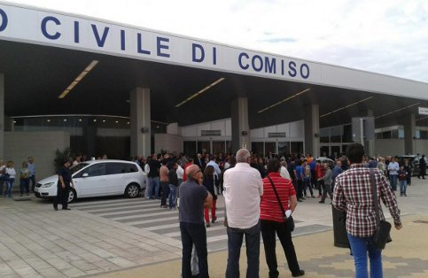 https://www.ragusanews.com/resizer/resize.php?url=https://www.ragusanews.com//immagini_articoli/29-08-2014/1409309236-0-200-mila-passeggeri-passati-dall-aeroporto-di-comiso.jpg&size=769x500c0