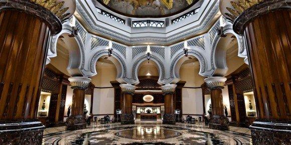 https://www.ragusanews.com/resizer/resize.php?url=https://www.ragusanews.com//immagini_articoli/29-09-2014/1412017727-1-george-clooney-e-il-cioccolato-di-modica-love-story.jpg&size=1000x500c0
