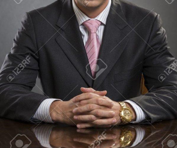 https://www.ragusanews.com/resizer/resize.php?url=https://www.ragusanews.com//immagini_articoli/29-09-2015/1443552103-0-ragazzo-sordomuto-ben-vestito-truffatore-ci-sente-comunque.jpg&size=599x500c0