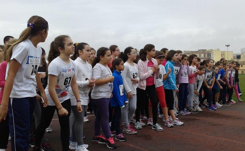 https://www.ragusanews.com/resizer/resize.php?url=https://www.ragusanews.com//immagini_articoli/29-11-2014/1417297636-0-atletica-leggera-scuola-in-pista.jpg&size=810x500c0