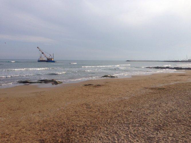 https://www.ragusanews.com/resizer/resize.php?url=https://www.ragusanews.com//immagini_articoli/30-04-2015/1430426881-1-marina-di-ragusa-o-mare-nero-mare-nero-mare-ne.jpg&size=667x500c0