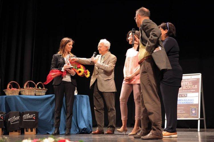 https://www.ragusanews.com/resizer/resize.php?url=https://www.ragusanews.com//immagini_articoli/30-05-2015/1433017240-0-il-film-italo-vince-il-festival-delle-scuole-video-tg3.jpg&size=751x500c0
