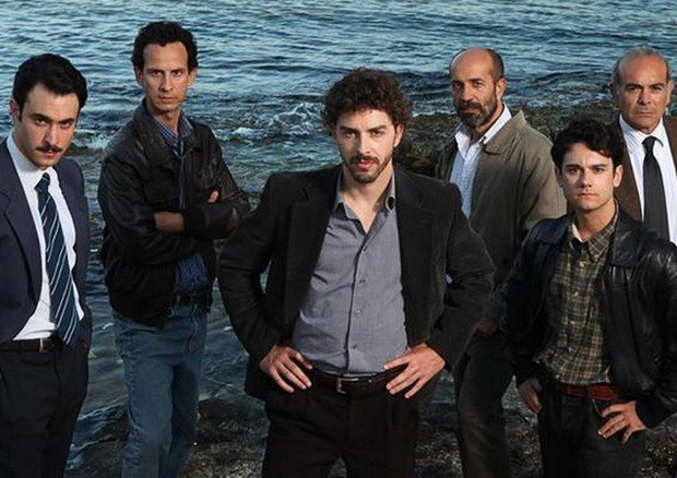 https://www.ragusanews.com/resizer/resize.php?url=https://www.ragusanews.com//immagini_articoli/30-06-2014/1404125582-0-il-commissario-montalbano-torna-a-girare-a-scicli-in-settembre.jpg&size=708x500c0