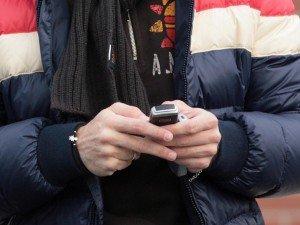 https://www.ragusanews.com/resizer/resize.php?url=https://www.ragusanews.com//immagini_articoli/30-12-2015/1451470134-0-minorenne-fugge-di-casa-intercettato-e-ritrovato-grazie-al-cellulare.jpg&size=667x500c0