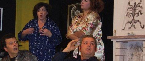 https://www.ragusanews.com/resizer/resize.php?url=https://www.ragusanews.com//immagini_articoli/31-01-2014/1396118074-lui-lei-e-laltro-in-teatro-a-ragusa.jpg&size=1183x500c0