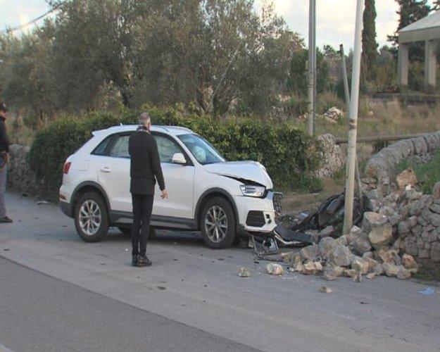 https://www.ragusanews.com/resizer/resize.php?url=https://www.ragusanews.com//immagini_articoli/31-01-2019/1548963758-1-incidente-rocciola-modica-muore-ragazza.jpg&size=625x500c0