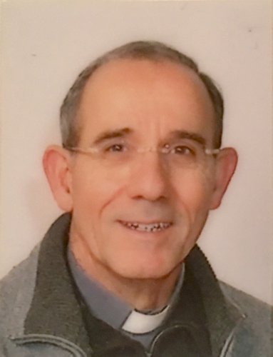 https://www.ragusanews.com/resizer/resize.php?url=https://www.ragusanews.com//immagini_articoli/31-12-2016/1483183814-2-nominati-vicari-foranei-diocesi-ragusa.jpg&size=383x500c0